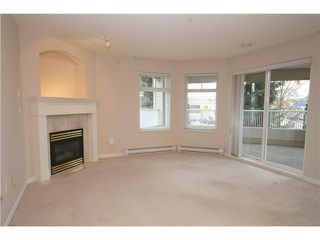 Photo 2: 104 4770 52A Street in Ladner: Delta Manor Condo for sale : MLS®# V982183