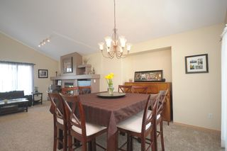 Photo 12: 120 Elm Drive: Oakbank Single Family Detached for sale (RM Springfield)  : MLS®# 1316047