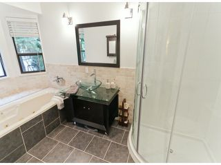 "Photo 9: 5915 BOUNDARY Place in Surrey: Panorama Ridge House for sale in ""BOUNDARY PARK"" : MLS®# F1325134"