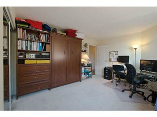 "Photo 11: 104 15111 RUSSELL Avenue: White Rock Condo for sale in ""Pacific Terrace"" (South Surrey White Rock)  : MLS®# F1411286"