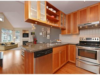 "Photo 4: 404 15368 16A Avenue in Surrey: King George Corridor Condo for sale in ""OCEAN BAY VILLAS"" (South Surrey White Rock)  : MLS®# F1430161"