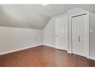 Photo 21: 1049 REGAL Crescent NE in Calgary: Renfrew_Regal Terrace House for sale : MLS®# C4013292