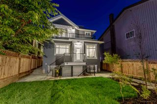 Photo 2: 2609 E 4TH Avenue in Vancouver: Renfrew VE House for sale (Vancouver East)  : MLS®# R2009489