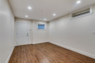 Photo 15: 2609 E 4TH Avenue in Vancouver: Renfrew VE House for sale (Vancouver East)  : MLS®# R2009489