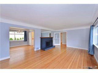 Photo 3: 1137 Bewdley Ave in VICTORIA: Es Saxe Point Half Duplex for sale (Esquimalt)  : MLS®# 715626