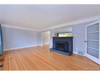 Photo 4: 1137 Bewdley Ave in VICTORIA: Es Saxe Point Half Duplex for sale (Esquimalt)  : MLS®# 715626