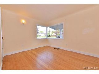 Photo 18: 1137 Bewdley Ave in VICTORIA: Es Saxe Point Half Duplex for sale (Esquimalt)  : MLS®# 715626
