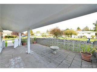 Photo 19: 1137 Bewdley Ave in VICTORIA: Es Saxe Point Half Duplex for sale (Esquimalt)  : MLS®# 715626