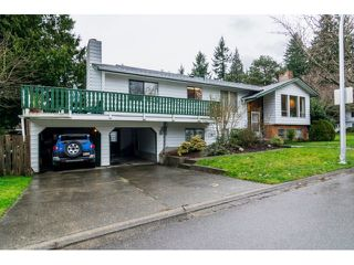 Photo 1: 12725 18A Avenue in Surrey: Crescent Bch Ocean Pk. House for sale (South Surrey White Rock)  : MLS®# R2028097