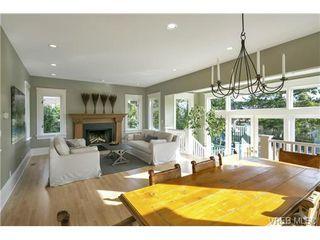 Photo 2: 177 Joseph St in VICTORIA: Vi Fairfield West Single Family Detached for sale (Victoria)  : MLS®# 723108