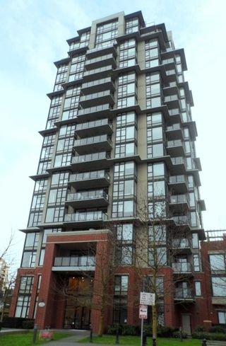 "Photo 3: 604 11 E ROYAL Avenue in New Westminster: Fraserview NW Condo for sale in ""VICTORIA HILL HIGHRISE RESIDENCES"" : MLS®# R2043828"