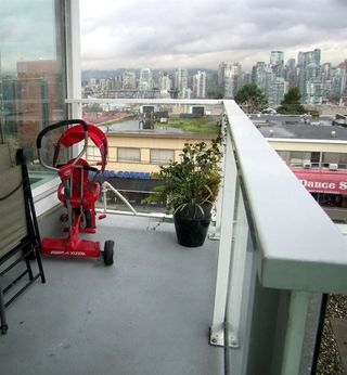 "Photo 13: 405 2550 SPRUCE Street in Vancouver: Fairview VW Condo for sale in ""SPRUCE (BY INTRACORP)"" (Vancouver West)  : MLS®# R2045533"