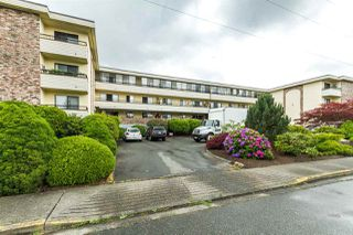 "Photo 2: 304 20460 54 Avenue in Langley: Langley City Condo for sale in ""Wheatcroft Manor"" : MLS®# R2102259"