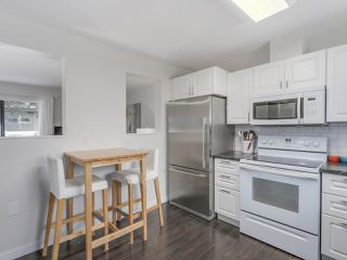 "Photo 7: 12 10892 152 Street in Surrey: Bolivar Heights Townhouse for sale in ""WOODBRIDGE"" (North Surrey)  : MLS®# R2107473"