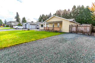 Photo 2: 20782 52 Avenue in Langley: Langley City House for sale : MLS®# R2122376