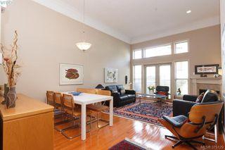 Photo 2: 5 118 Dallas Rd in VICTORIA: Vi James Bay Row/Townhouse for sale (Victoria)  : MLS®# 752886