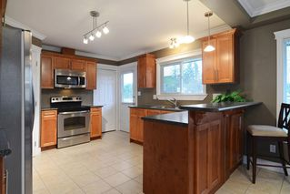Photo 2: 12097 DUNBAR Street in Maple Ridge: West Central House for sale : MLS®# R2148619