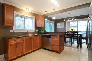 Photo 3: 12097 DUNBAR Street in Maple Ridge: West Central House for sale : MLS®# R2148619