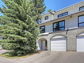 Photo 1: 63 5400 DALHOUSIE Drive NW in Calgary: Dalhousie House for sale : MLS®# C4126924