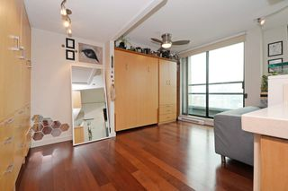 """Photo 7: 1505 1003 BURNABY Street in Vancouver: West End VW Condo for sale in """"MILANO"""" (Vancouver West)  : MLS®# R2202748"""