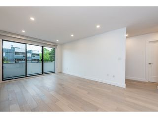 Photo 3: 304 2935 SPRUCE STREET in Vancouver: Fairview VW Condo for sale (Vancouver West)  : MLS®# R2163663