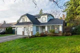 Photo 1: 16391 11 Avenue in Surrey: King George Corridor House for sale (South Surrey White Rock)  : MLS®# R2223770