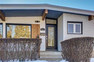 Photo 3: 4911 VANSTONE Road NW in Calgary: Varsity House for sale : MLS®# C4162409