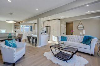 Photo 7: 4911 VANSTONE Road NW in Calgary: Varsity House for sale : MLS®# C4162409