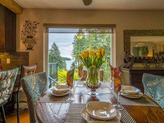 Photo 1: 9199 REGAL Road in Sechelt: Halfmn Bay Secret Cv Redroofs House for sale (Sunshine Coast)  : MLS®# R2252875