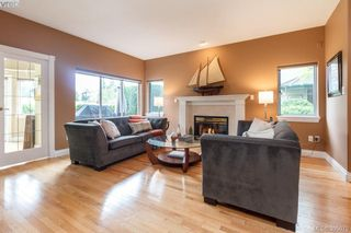 Photo 5: 87 530 Marsett Place in VICTORIA: SW Royal Oak Townhouse for sale (Saanich West)  : MLS®# 395075