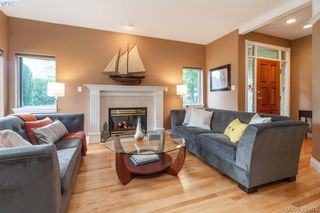 Photo 4: 87 530 Marsett Place in VICTORIA: SW Royal Oak Townhouse for sale (Saanich West)  : MLS®# 395075
