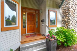 Photo 2: 87 530 Marsett Place in VICTORIA: SW Royal Oak Townhouse for sale (Saanich West)  : MLS®# 395075