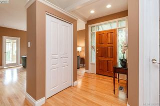 Photo 3: 87 530 Marsett Place in VICTORIA: SW Royal Oak Townhouse for sale (Saanich West)  : MLS®# 395075
