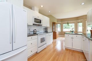 Photo 10: 87 530 Marsett Place in VICTORIA: SW Royal Oak Townhouse for sale (Saanich West)  : MLS®# 395075