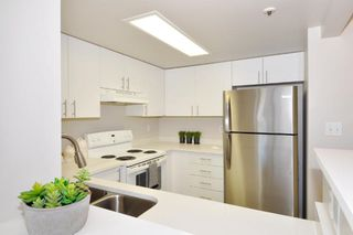 "Main Photo: 1104 838 AGNES Street in New Westminster: Downtown NW Condo for sale in ""WESTMINSTER TOWERS"" : MLS®# R2321894"