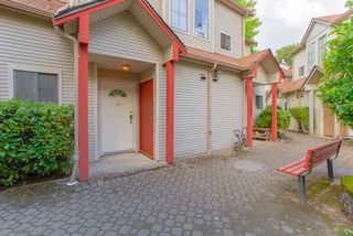 "Photo 2: 18 98 BEGIN Street in Coquitlam: Maillardville Townhouse for sale in ""LE PARC"" : MLS®# R2329329"