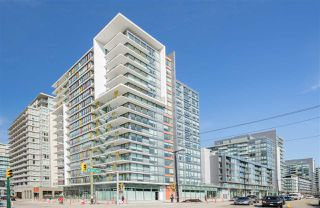 "Main Photo: 1703 1788 COLUMBIA Street in Vancouver: False Creek Condo for sale in ""EPIC AT WEST"" (Vancouver West)  : MLS®# R2341868"