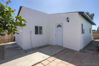 Photo 2: CHULA VISTA House for sale : 4 bedrooms : 1598 Woodlark Ct