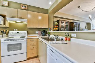 "Photo 12: 18 12778 66 Avenue in Surrey: West Newton Townhouse for sale in ""Hathaway Village"" : MLS®# R2351478"