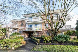 "Photo 1: 309 2080 MAPLE Street in Vancouver: Kitsilano Condo for sale in ""MAPLE MANOR"" (Vancouver West)  : MLS®# R2356218"