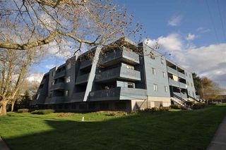"Main Photo: 303 5906 176A Street in Surrey: Cloverdale BC Condo for sale in ""Wynham Estates"" (Cloverdale)  : MLS®# R2356323"