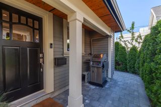 """Photo 18: 1132 E PENDER Street in Vancouver: Mount Pleasant VE Townhouse for sale in """"Strathcona Gardens"""" (Vancouver East)  : MLS®# R2364679"""