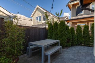 """Photo 17: 1132 E PENDER Street in Vancouver: Mount Pleasant VE Townhouse for sale in """"Strathcona Gardens"""" (Vancouver East)  : MLS®# R2364679"""