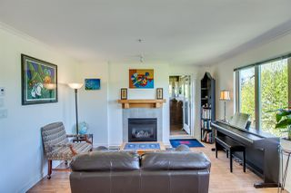 Photo 1: 407 38 SEVENTH Avenue in New Westminster: GlenBrooke North Condo for sale : MLS®# R2367474