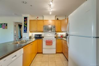 Photo 12: 407 38 SEVENTH Avenue in New Westminster: GlenBrooke North Condo for sale : MLS®# R2367474