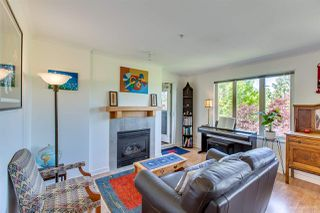 Photo 2: 407 38 SEVENTH Avenue in New Westminster: GlenBrooke North Condo for sale : MLS®# R2367474