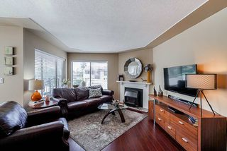 "Photo 7: 202 1424 MARTIN Street: White Rock Condo for sale in ""The Patrician"" (South Surrey White Rock)  : MLS®# R2367423"