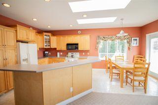 Photo 5: 6150 MIKA Road in Sechelt: Sechelt District House for sale (Sunshine Coast)  : MLS®# R2367722