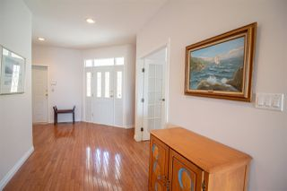 Photo 4: 6150 MIKA Road in Sechelt: Sechelt District House for sale (Sunshine Coast)  : MLS®# R2367722