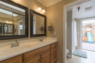 Photo 15: DEL CERRO House for sale : 3 bedrooms : 6366 Delbarton St in San Diego